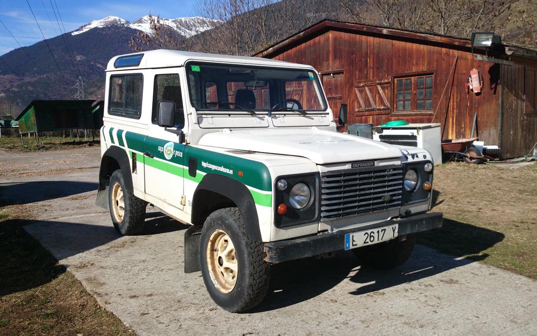 Se vende Land Rover Defender 2.5 TDI (vendido)